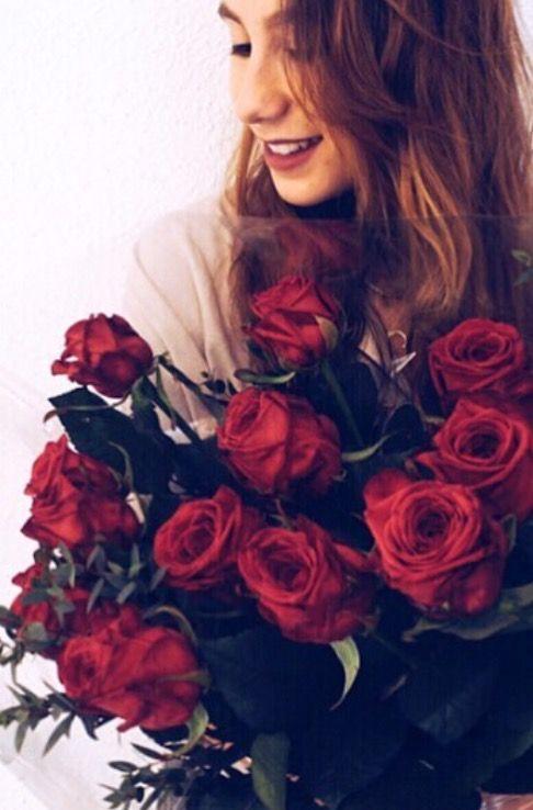@martasg25 con su ramo de rosas Red Naomi de Bourguignon Floristas
