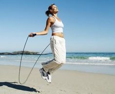 Pular corda é um dos exercícios aeróbicos mais completos e eficientes