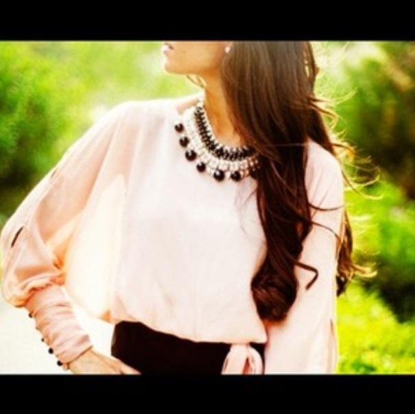 Classy shirt with statement necklace
