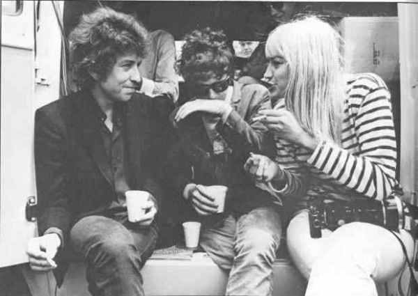Bob Dylan, Lou Reed & Nico ~ Umm.., ~ looks more like Mary Travers on the right, maybe...?