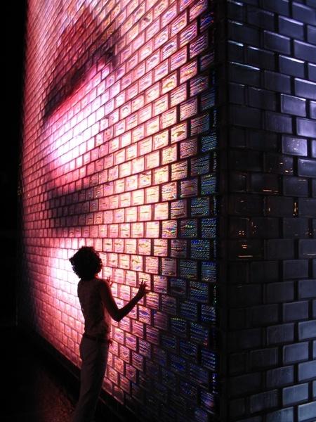 Crown Fountain - Interactive work of public art and video sculpture by Jaume Plensa (Chicago, Millennium Park)