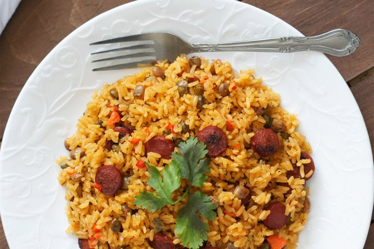 Pigeon peas rice with sausage moro de guandules y for Chambre de guandules