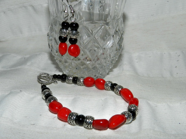 Red coral bracelet and earnings