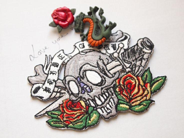mercerie esprit tatouage tete de mort mercerie rock 39 n roll pinterest fans tatoo et blog. Black Bedroom Furniture Sets. Home Design Ideas