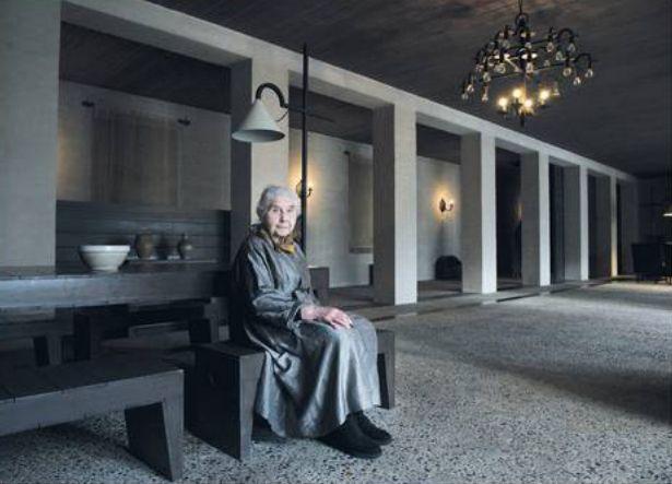 de Volkskrant   photo of Mrs. De Jong by Irene O'Callaghan   February 21st 2014