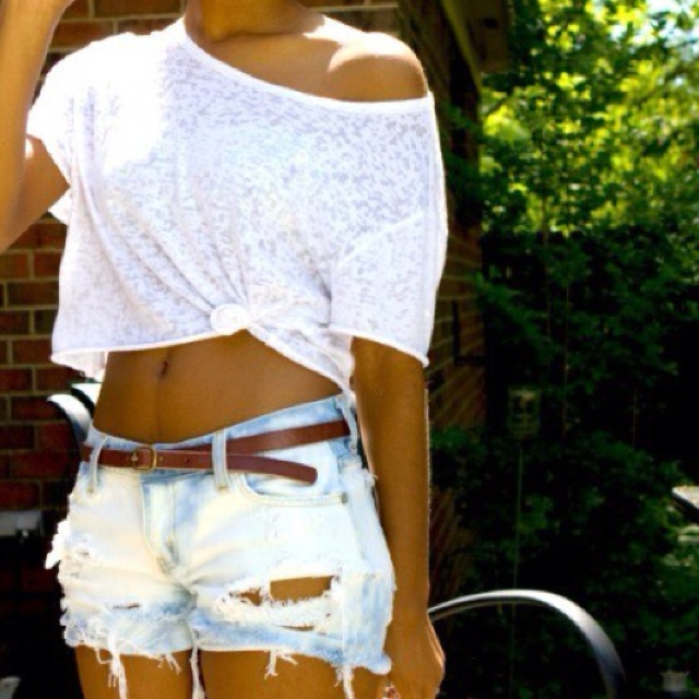<3 my go to outfit. white, off the shoulder obsessd, destroyed denim hotness: Pink Summer, Casual Summer, Crop Tops, Summer Style, Summer Outfits, Denim Shorts, Jeans Shorts, Summer Clothing, Beaches Style