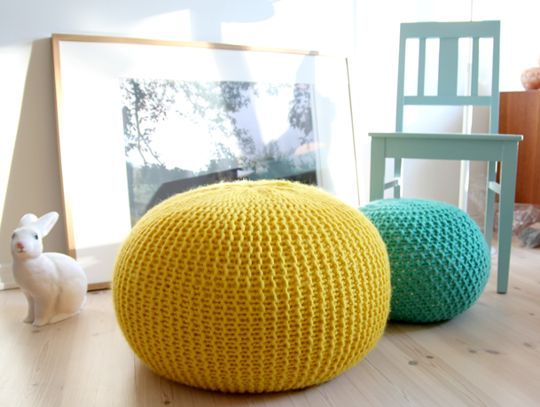 10 Tutorials for DIY Floor Poufs and Ottomans