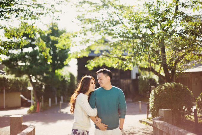 Romantic Engagement Shoot In Beautiful Kyoto   http://www.bridestory.com/blog/romantic-engagement-shoot-in-beautiful-kyoto