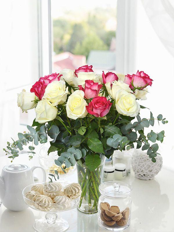 Her çiçeğin geçmişten günümüze gelen özel anlamları olduğunu biliyor musunuz? Beyaz gül masumiyet, kırmızı gül aşk, sarı gül sevgi anlamına gelir. #bilgi #çiçekanlamları