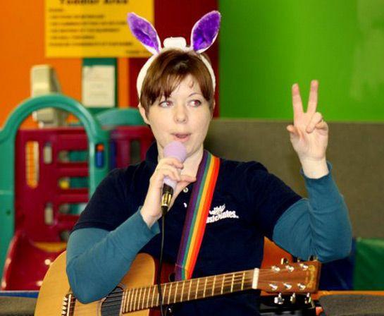 Singing & Signing Kids music program at MusicMates in Kingston Ontario.