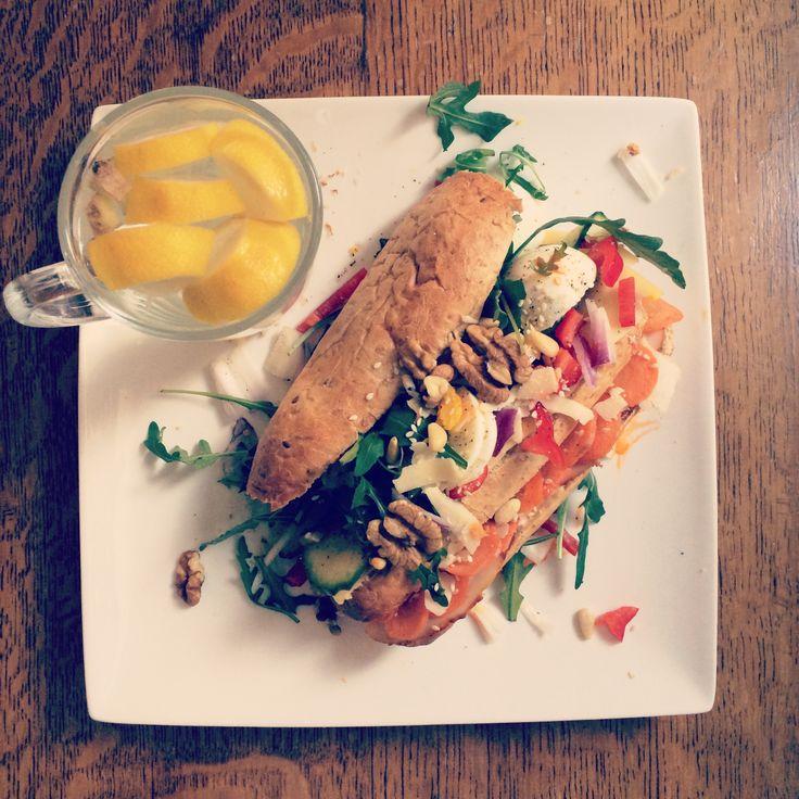 Rainbow sandwich + citroen-gember thee