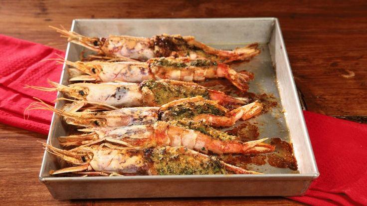 Ricetta Gamberoni gratinati: I gamberoni gratinati: un modo sfizioso e gustoso per presentare in tavola questi protagonisti del mare. Il piatto perfetto per tutte le occasioni!