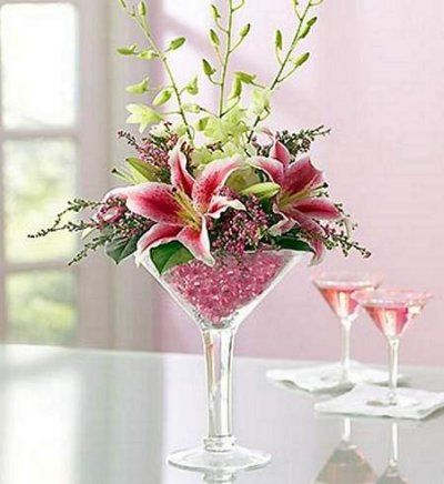 60 best martini glass decor images on pinterest for Decoration vase martini
