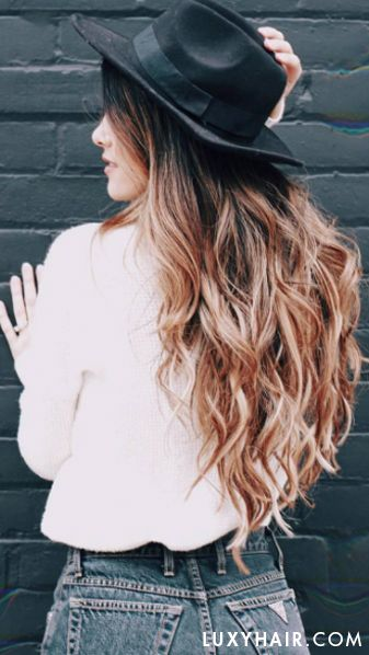 @haleyscornerr's hair is looking gorgeous with her Seamless@luxyhairextensions clipped in - Haley mixes Ombre Blonde and Ombre Chestnut shades to achieve this multi dimensional effect.