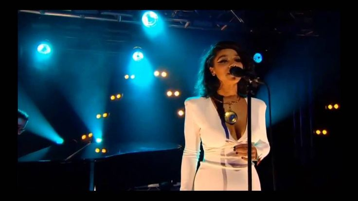 Lianne La Havas - Gone (2012 Barclaycard Mercury Prize Awards Show), via YouTube.