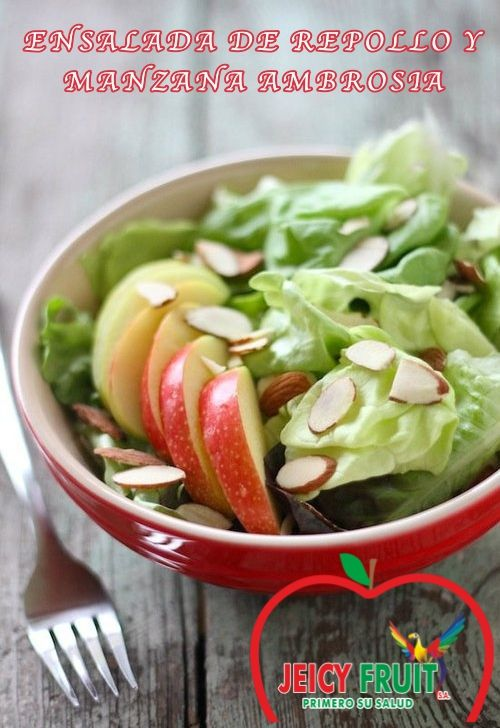 Esta colorida ensalada está llena de fibra y nutrientes. Es más liviana que la ensalada de repollo tradicional gracias a su penetrante aderezo bajo en grasa. Constituye un maravilloso acompañamiento para comer con un sándwich si necesita un almuerzo rápido pero apetitoso.