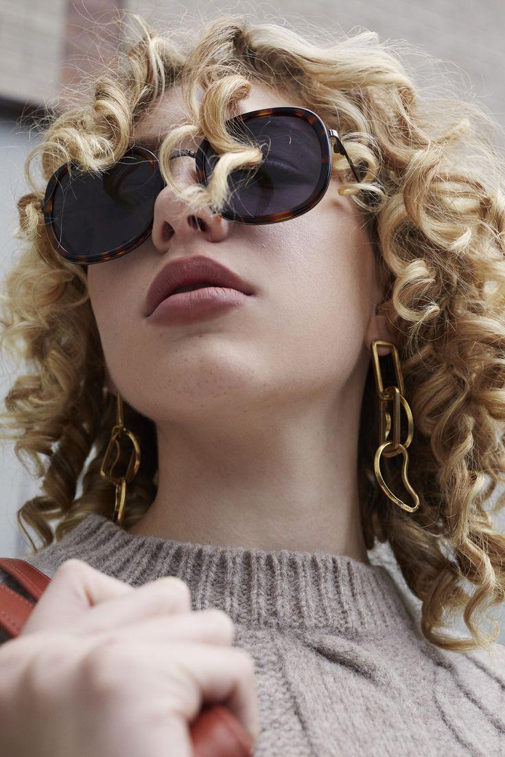 Hayley is wearing the Michelle Ross Bay Earrings in Gold for ZANE FW17 (Sunglasses: Elizabeth & James)
