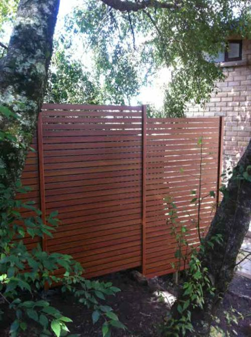 Timberslat fencing sydney screen fencing i see this on for Living screen fence