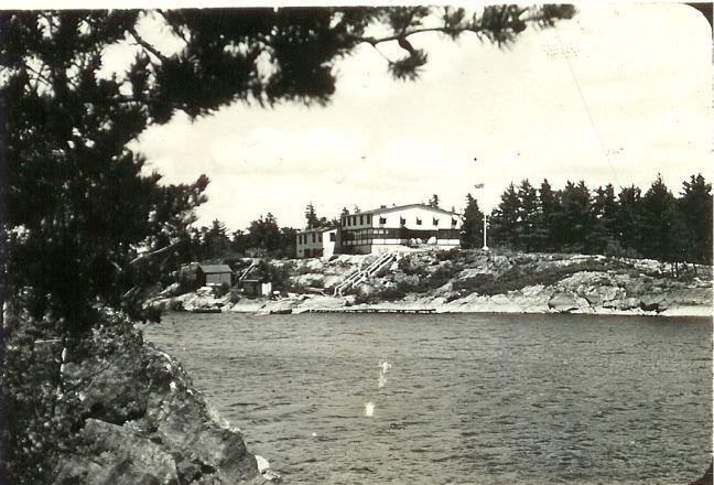The Cozy Main Lodge - History of the #FrenchRiver #BearsDenLodge