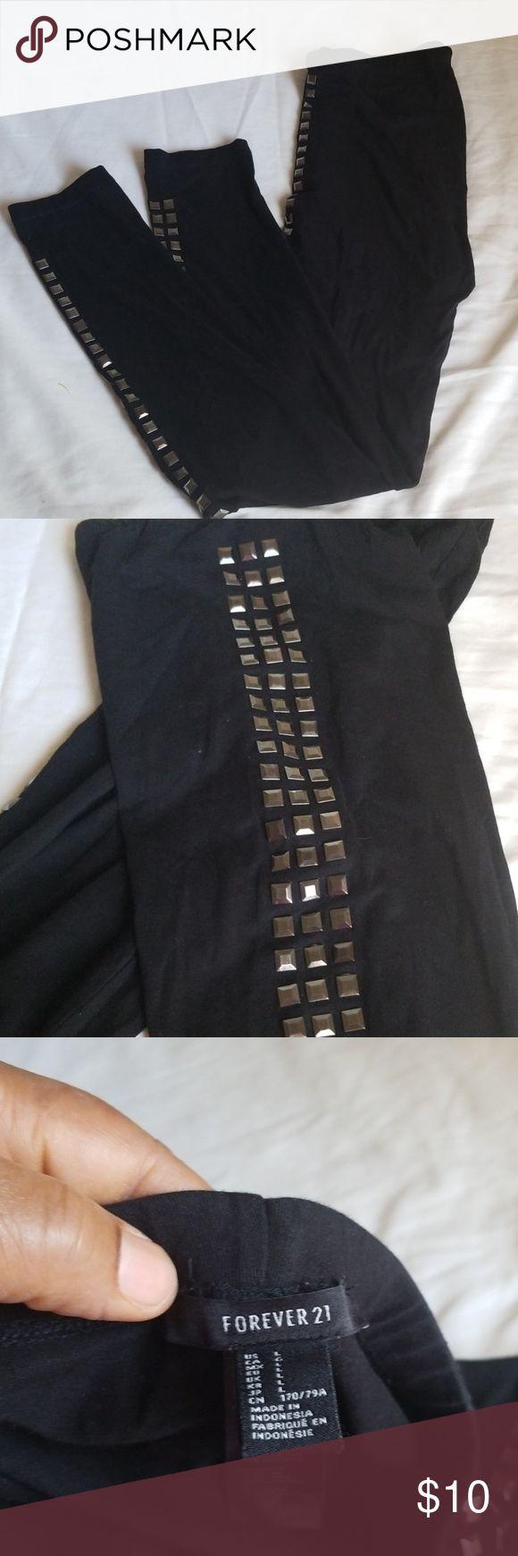 Forever 21 Velvet-like Leggings   Fashion, Clothes design