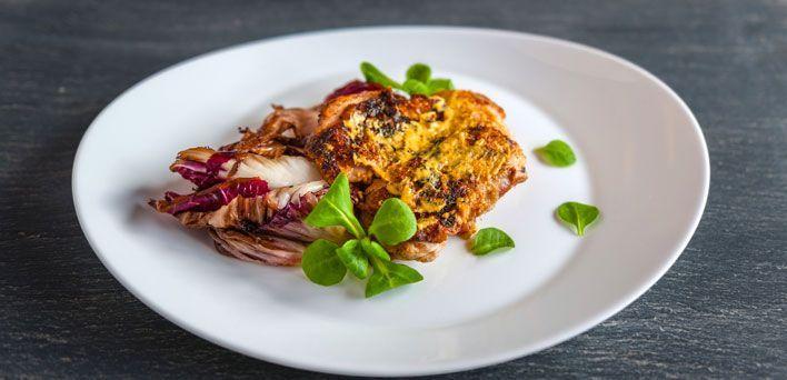 Cosce di pollo alla senape.  Per leggere la ricetta: http://myhome.bormioliroccocasa.it/myhome/it/home/spazio-alle-idee/idee-chef/pollo-senape.html