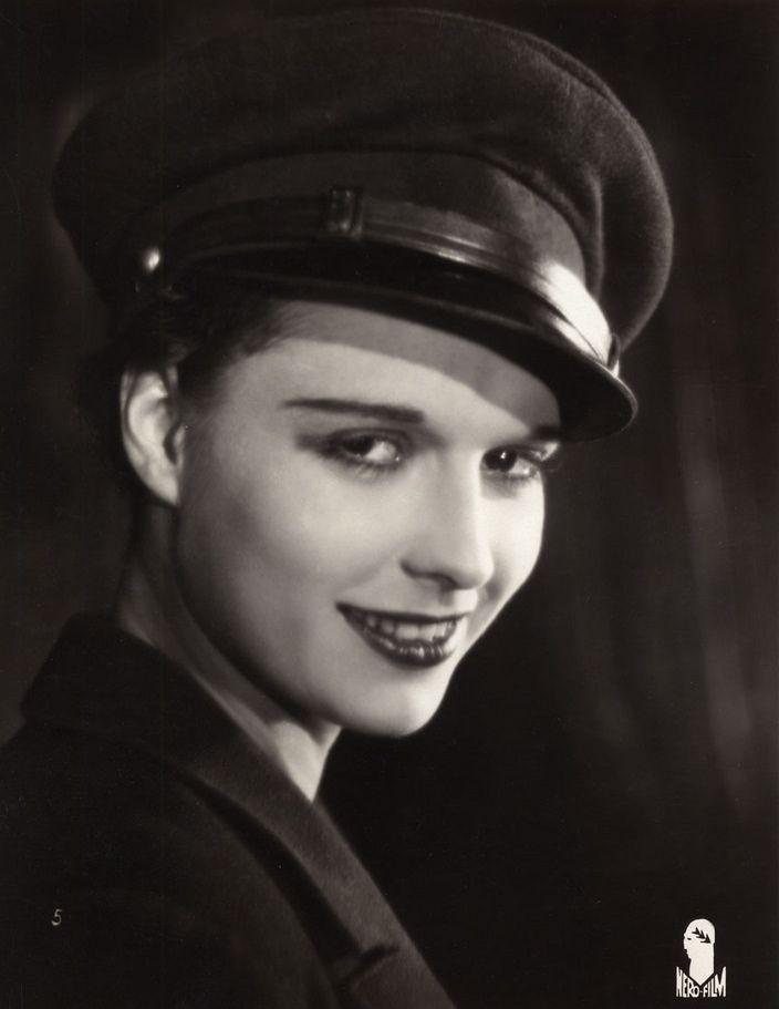 38 best Louise Brooks images on Pinterest | Roaring 20s ...