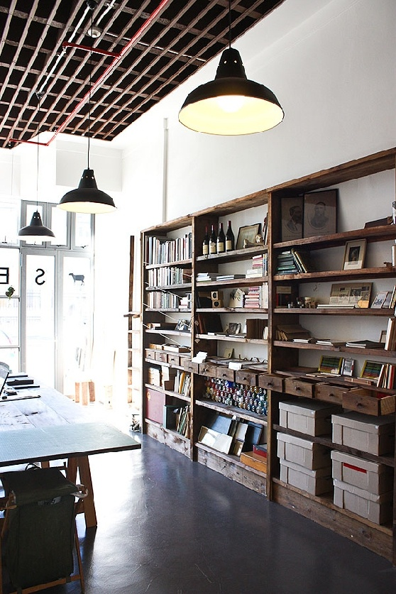 Awesome Warehouse Space with Pendants