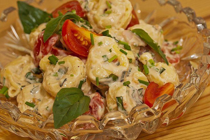 Tortellini - Salat mit Tomaten und Schinken, ein sehr leckeres Rezept aus der Kategorie Reis/Nudeln/Getreide. Bewertungen: 66. Durchschnitt: Ø 4,5.