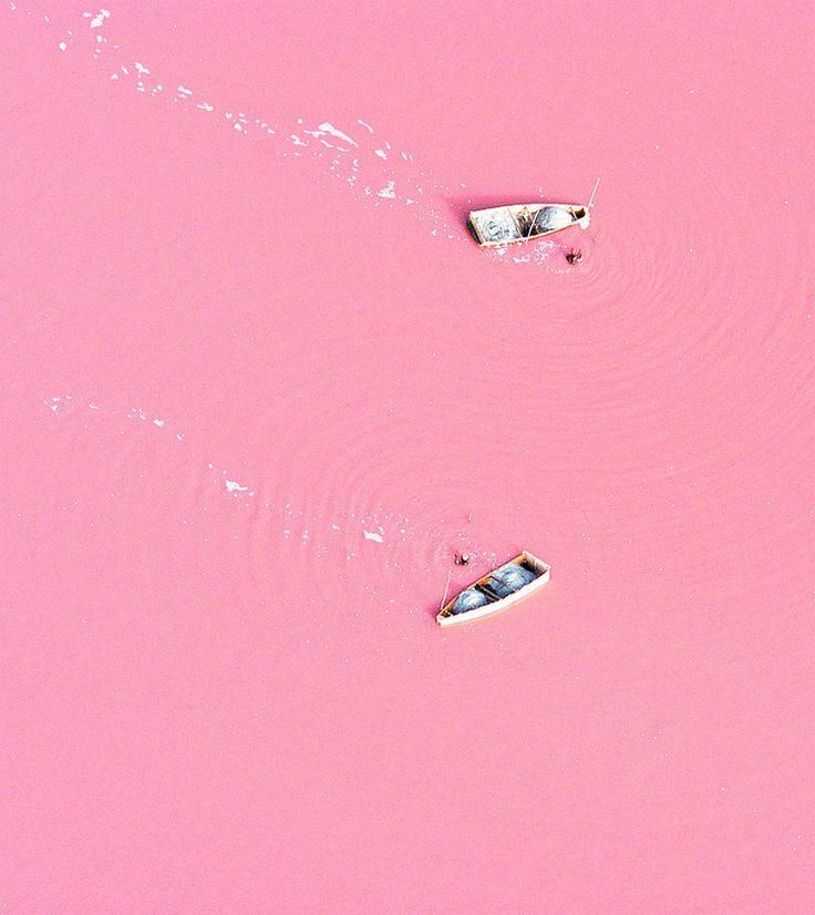 Escape: Let's explore the pink lakes of Senegal