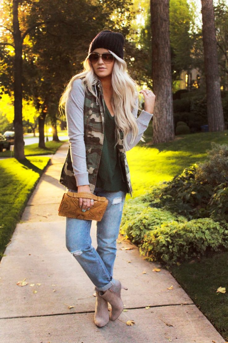 This has totally inspired me to cut the sleeves off a camo jacket I thrifted recently...
