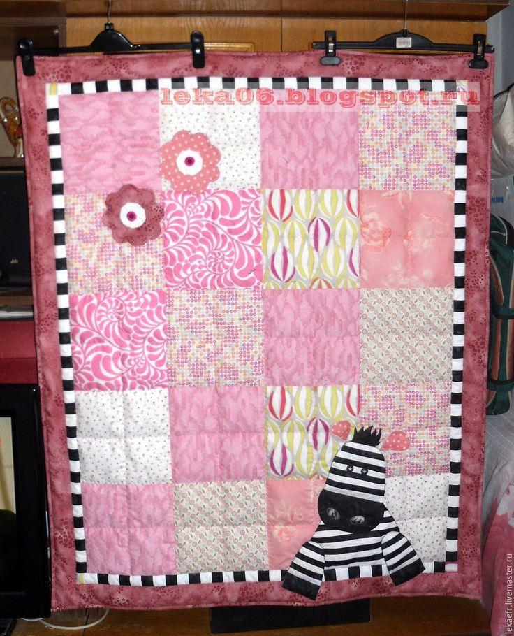 """Купить Лоскутное детское одеяло """"Зебра"""" - розовый, зебра, полоска, цветочки, квадраты, пышное, легкое"""