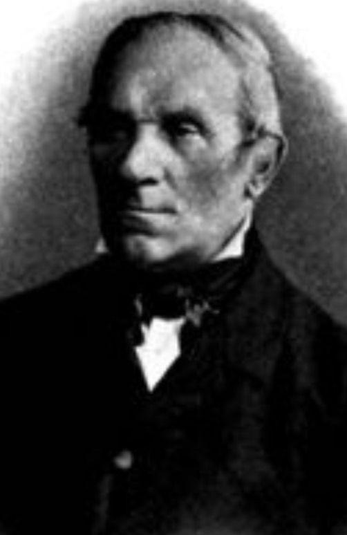 Eduard Rudolf Voltolini (Elsterwerda 1819 🇩🇪 1889 Breslau). Profesor en Berlín y Breslau donde dirige la primera cátedra de Otologia en 1868. Fue uno de los primeros en dar el nombre de Enfermedad de Meniere al vertigo descrito por este autor.