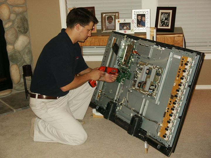 Online TV Repair and Calibration Steps Are you too searching for TV repair near your vicinity? As you are not satisfied with the TV repair reviews that flashed on the company's website of TV Repair companies, you want some reliable player to fix it. Buying television is easy, getting it repaired is the tough ballgame. Especially, if you have bought the televisions in sale or you bought a cheap quality television set. Most of us do get attracted to the ads such as – 60 inch TV for sale or 50…