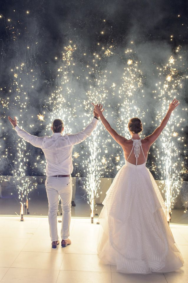Get Hitched In Santorini Greece And Party Like Theres No Tomorrow Wedding First DanceGreek