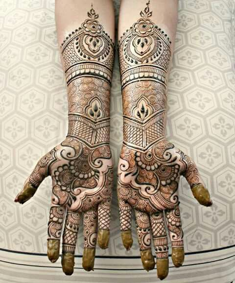 Mehendi @nz08 see this Mehendi is so much different from the one we get from Fruiticana