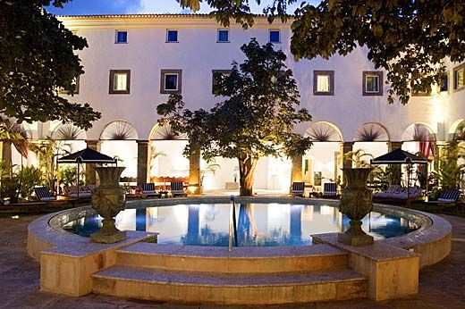 #PestanaConventodoCarmo is a 4 star hotel, located at central Salvador in #Brazil. It was build in the 16th century. It has 79 very spacious and high ceiling rooms. The hotel amenities include sauna, spa, gym and swimming pool. Room service is available 24 hours a day.