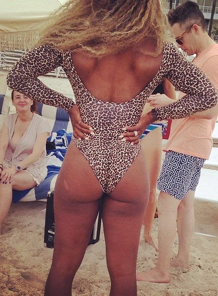 Serena Williams Crashes Wedding In Bikini Pics
