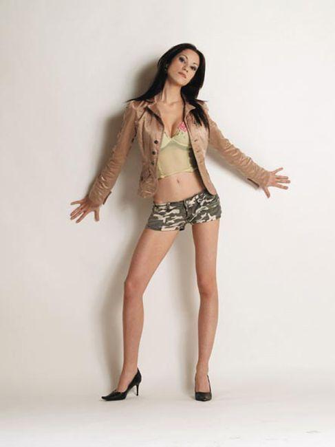 Cristina L model Florence, Tuscany. Available for fashion photo, bikini e lingerie.