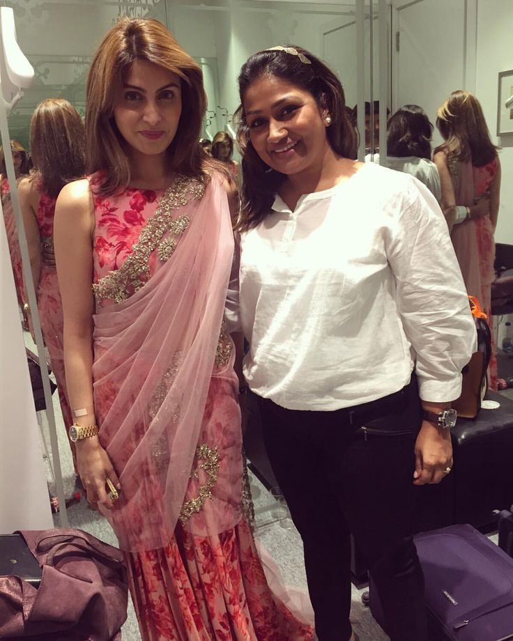 Draping this beautiful lady was a treat to me ☺️ @riddhimakapoorsahni  #drapedivadolly#delhidiaries#passion#riddhimakapoorsahni#sareedraper#fashion#lotd#ooth