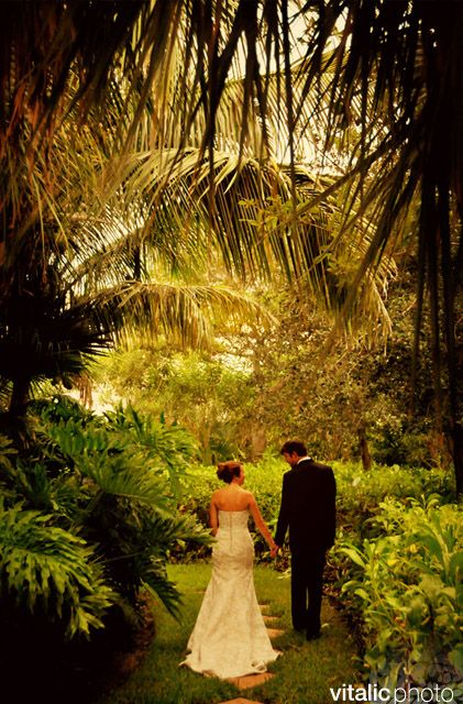 Unique Wedding Venue In Florida The Caribbean Court Boutique Hotel Offers Charming Setting