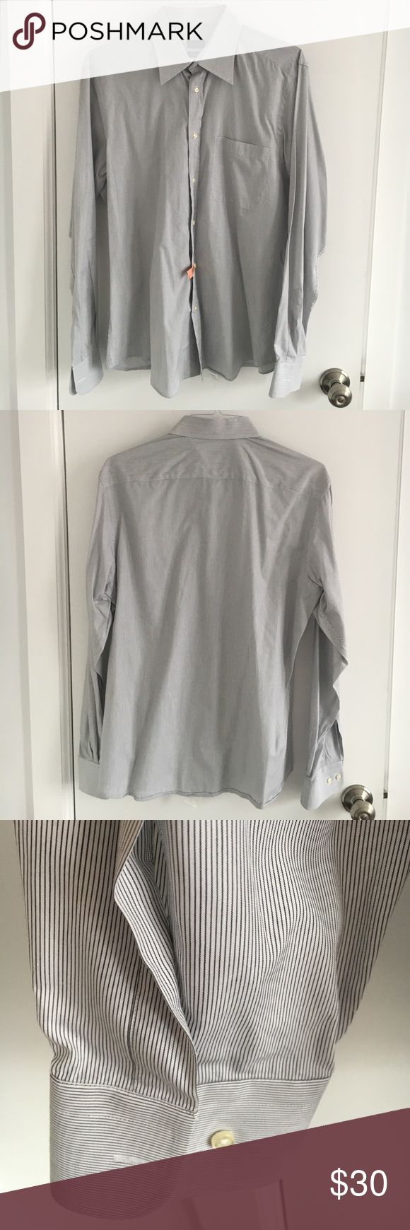 Men's Valentino Dress Shirt EUC - Body Slim Fit. no stains or collar discoloration. Feel free to ask any questions. 42/16.5 Valentino Shirts Dress Shirts