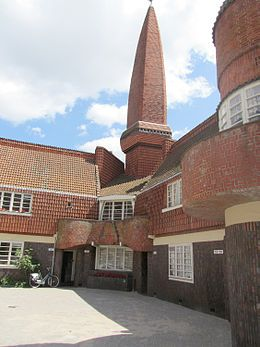 Amsterdamse School (bouwstijl)