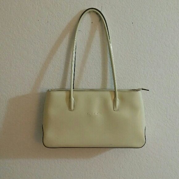 Gucci Purse Vintage Gucci Purse. Cream color, beautifully made. Perfect for spring. Worn. Gucci Bags Shoulder Bags