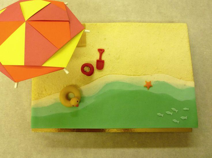 Parasol & plage by Pâtisserie Chez Bogato 7 rue Liancourt, Paris 14e. Ouvert du mardi au samedi de 10h à 19h. Tel. 01 40 47 03 51 Cake Design Birhtday cake Gâteau d'anniversaire
