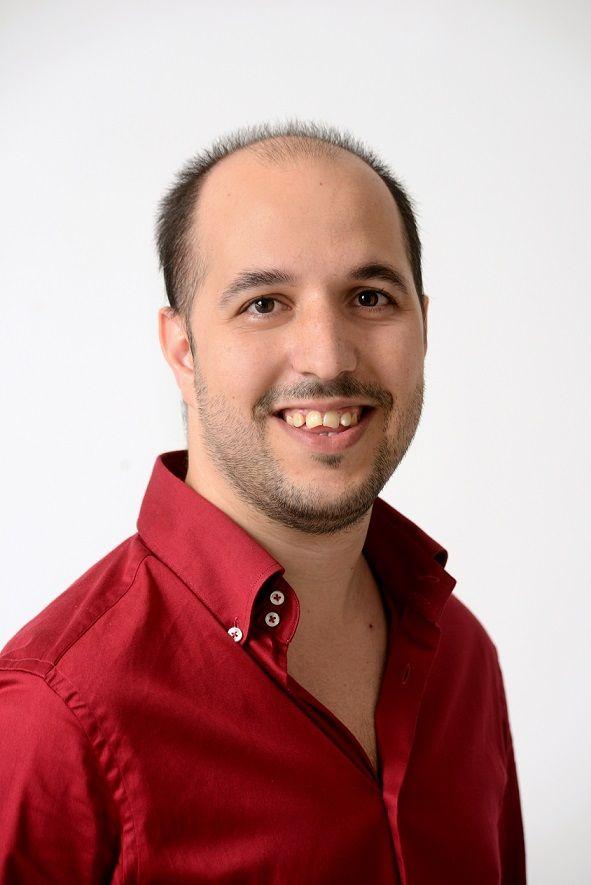 """[Team] Fabio Cabras, il nostro Senior Software Engineer, ha una credenza davvero particolare: """"Ci sono 10 tipi di persone, chi capisce il codice binario e gli altri"""""""