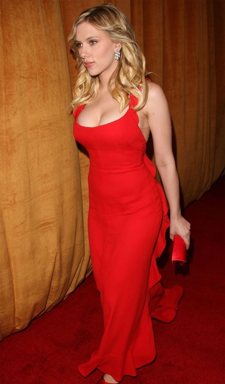 Scarlett johansson cleavage red dress apologise, but