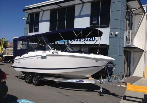 Great boat looks awesome Cobalt 242 Bowrider Trailer Boat 2013 #cobaltboatsforsale