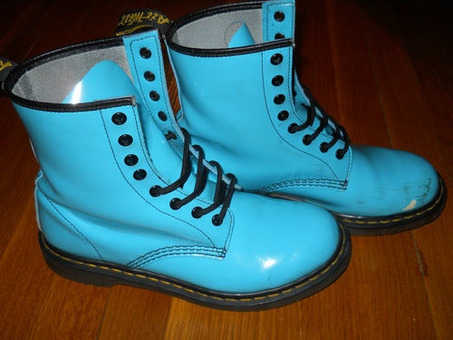 Very RARE Bright Neon Patent Aqua Light Blue Doc Martens Size 7 UK 9 US 41 EUR  - OMG want these please =)  But too small anyways =/