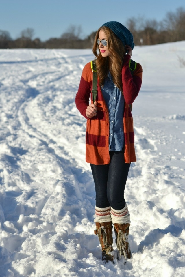 canadian tuxedo, snow boots, & stripes.: Fashion 3, Jean Shirts, Snow Boots, Color, Cardigan, Fall Fashion, Boot Socks