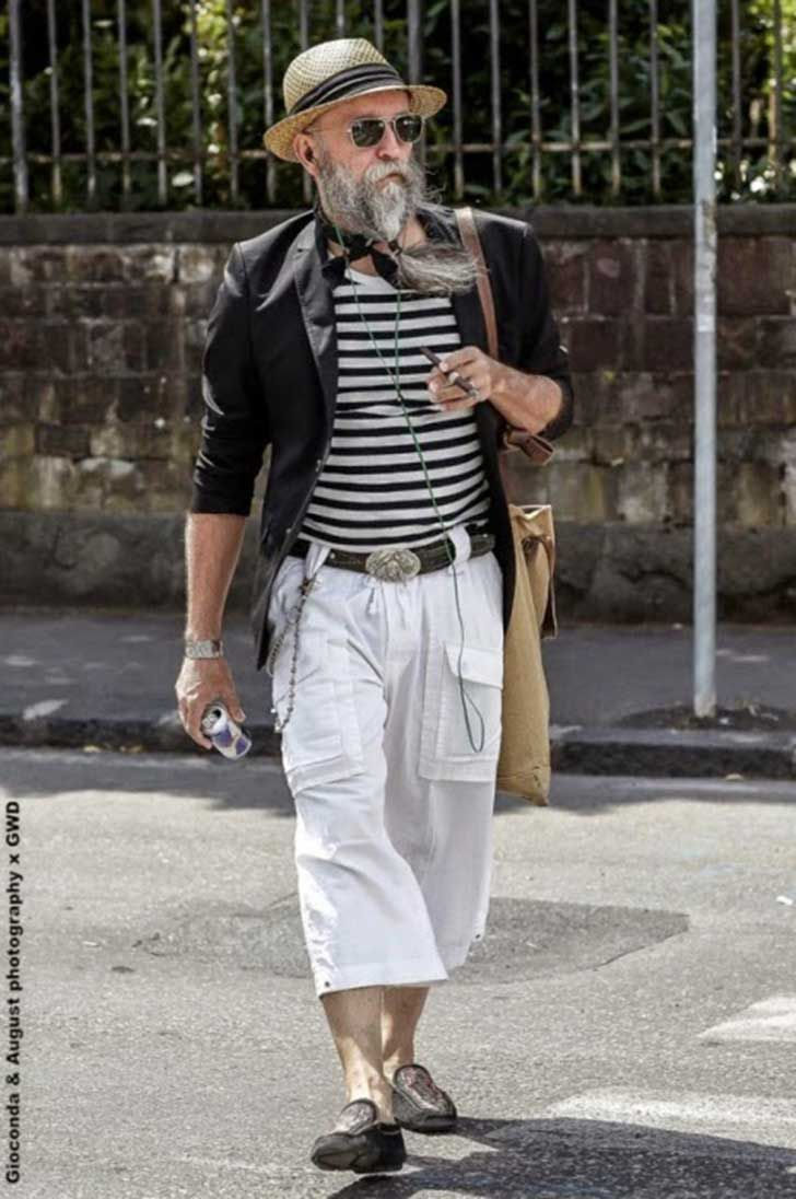 There is no age limit when it comes to looking stylish! Elderly gentleman style.